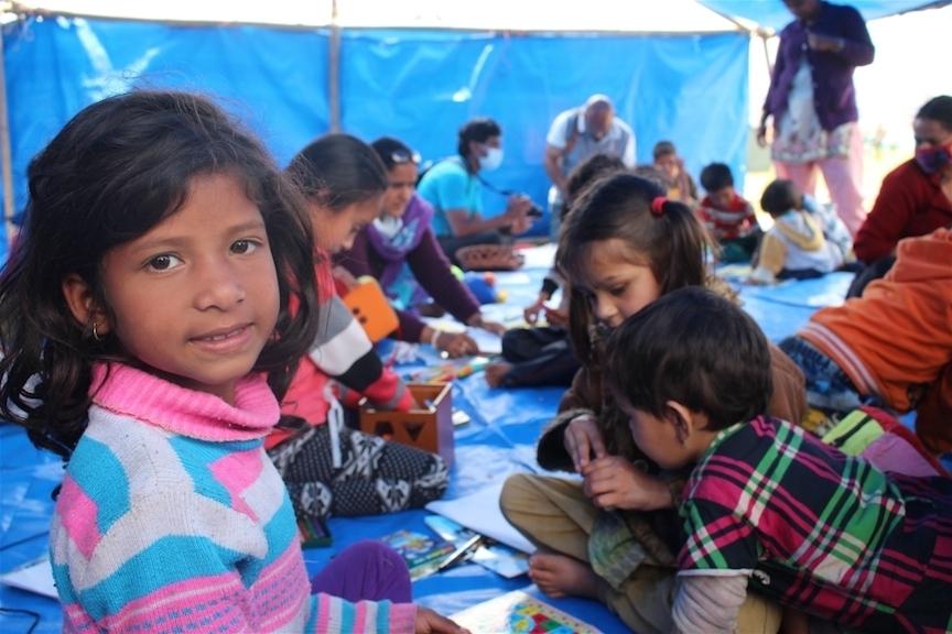 Mères et enfants: les oubliés de l'aide au Népal?