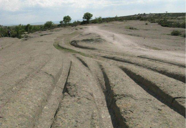 Des traces de véhicules d'anciennes civilisations? L'étrange découverte d'un géologue