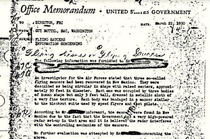 Mémo déclassifié du FBI: des soucoupes volantes avec 9 extraterrestres dedans?