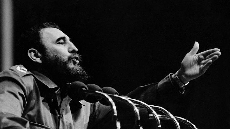 Mort de Fidel Castro: célébrations et tristesse se mêlent