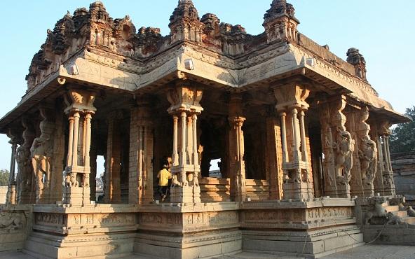 Les piliers musicaux d'un temple indien