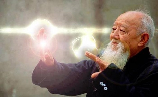Un maître japonais de qigong démontre sur des animaux le pouvoir de l'énergie vitale