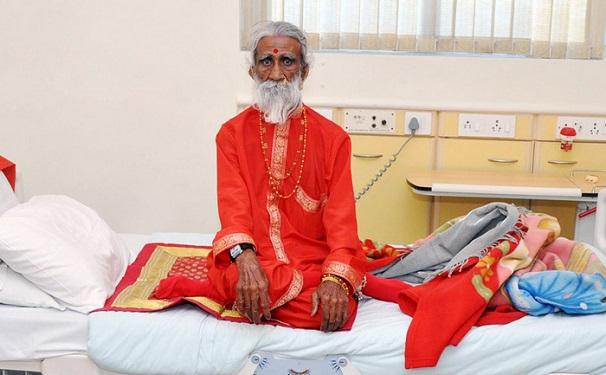 Un ascète indien n'a pas mangé ni bu d'eau pendant plus de 70 ans