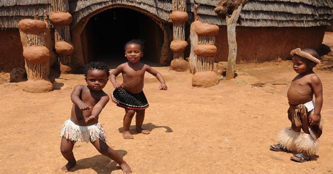 Des enfants sud-africains en train de danser: un aperçu d'une culture unique