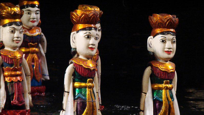 Les magiques marionnettes d'eau du théâtre vietnamien