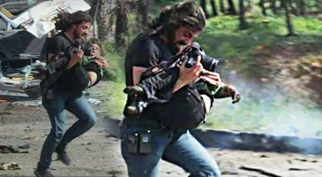 Syrie: ce reporter arrête de photographier pour sauver un garçon blessé dans une explosion