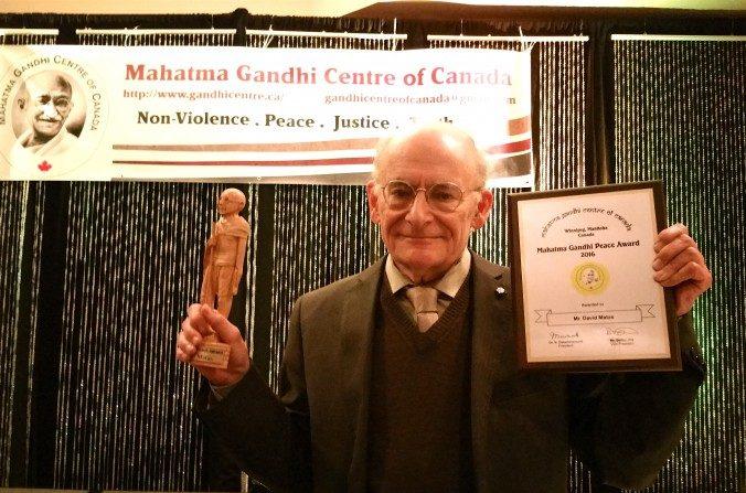 David Matas, éminent avocat des droits de l'homme, reçoit le prix Gandhi