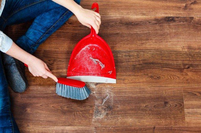 Une étude identifie 45 produits chimiques potentiellement dangereux dans la poussière de nos maisons
