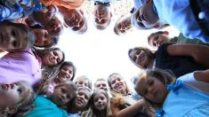 Une incroyable famille avec 19 enfants dans la maison: du bonheur et de l'amour tous les jours!