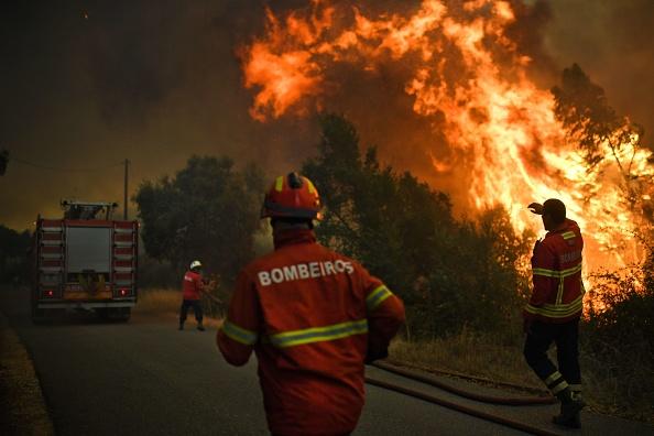 Portugal: plus de 2.000 pompiers toujours mobilisés pour les incendies