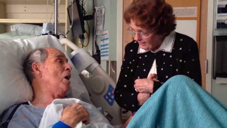 Une vidéo étonnante montre un mari chantant avec son épouse sur son lit d'hôpital