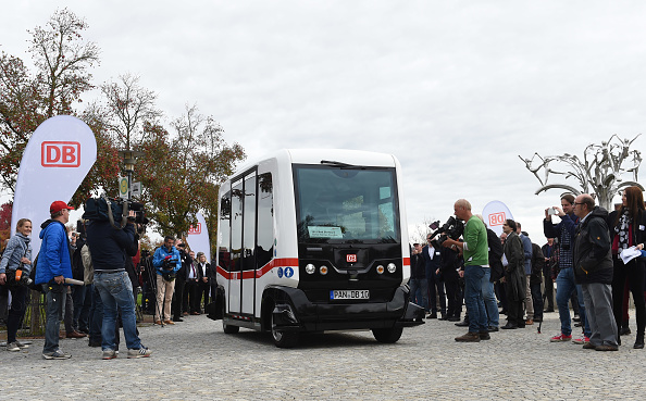 le premier bus sans chauffeur en allemagne mobiles rail sciences epoch times. Black Bedroom Furniture Sets. Home Design Ideas