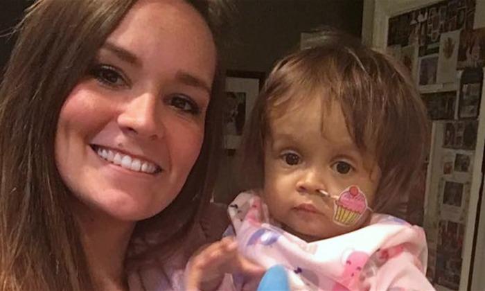 Une famille embauche une étudiante comme baby-sitter. 3 semaines plus tard, elle fait le sacrifice ultime