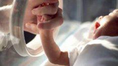 Cette prématurée de 21 semaines survit contre toute attente - la maman avait demandé d'essayer