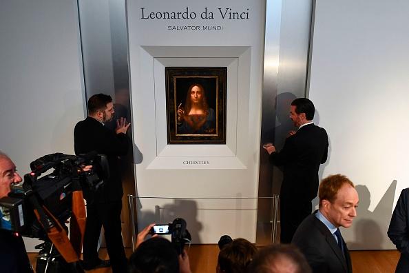 New York : un Vinci controversé star des enchères d'automne