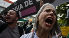 Brésil : des manifestants contre une loi menaçant le droit à l'avortement