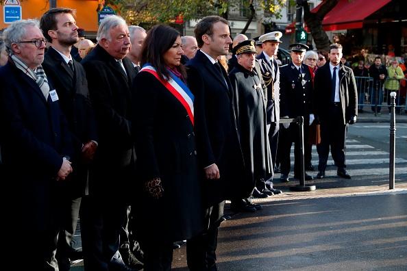 Le président Macron rend hommage aux victimes des attentats du 13 novembre 2015