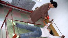 Le gavage : la terrible méthode de torture utilisée dans les centres de détention chinois