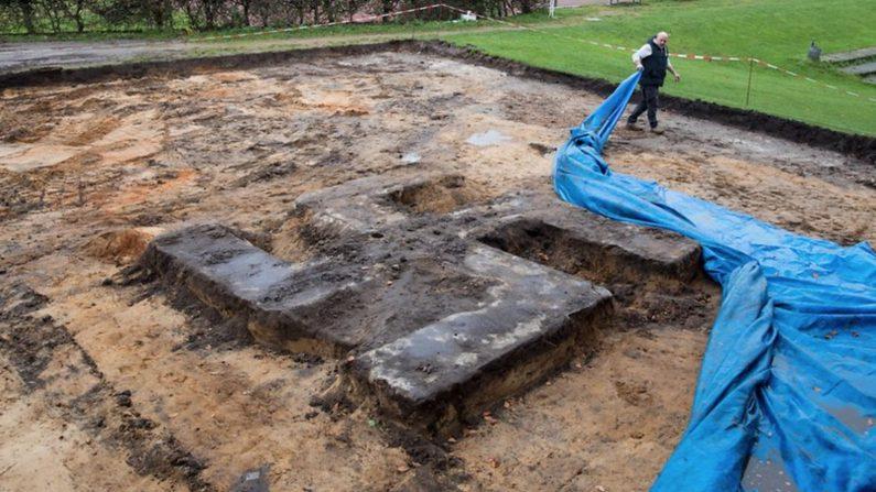 Une gigantesque croix gammée trouvée sous un terrain — Allemagne