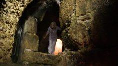 La tombe de Jésus-Christ ouverte pour la première fois en 500 ans. À l'intérieur, ils font une incroyable découverte
