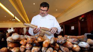 La baguette au patrimoine de l'Unesco, Macron soutient les boulangers français