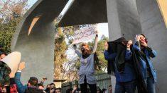 Des Iraniens risquent leurs vies en appelant à la fin du régime islamique