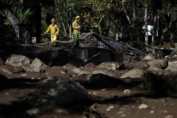 Des coulées de boue sèment mort et destruction en Californie
