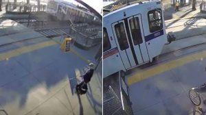 Un homme tente de traverser la voie ferrée. Mais au fur et à mesure qu'il se rapproche, un autre homme s'approche rapidement