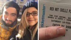 IRLANDE DU NORD - Un couple de fans des Red Hot Chili Peppers fait une erreur pour le moins comique en achetant leurs billets