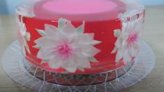 Cet objet est magnifique, mais c'est un gâteau ! Comment le boulanger s'y prend-il ? C'est si complexe