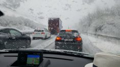 ÎLE-DE-FRANCE - La neige revient plus tôt que prévu et piège la circulation