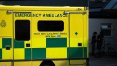 Un inconnu laisse un mot sur le pare-brise d'une ambulance – ce qu'il dit a ému les professionnels de santé