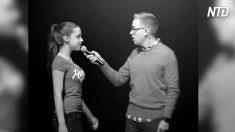 Une fille intimidatrice crie cruellement : « Tu es un  IDIOT! » - mais la réponse de ce garçon est totalement inattendue