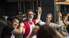 C'est fait, le grand chef Massimo Bottura a ouvert son restaurant à Paris pour les plus démunis !