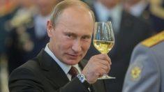 Russie: Vladimir Poutine est réélu pour un 4e mandat avec 73,9% des voix (sondage)