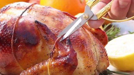 Comment rôtir un poulet qui reste toujours juteux et tendre?