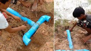 Des garçons construisent des pièges à poissons ingénieux avec des tuyaux en PVC. Quand ils reviennent le lendemain, ils savaient qu'ils auraient une bonne récolte