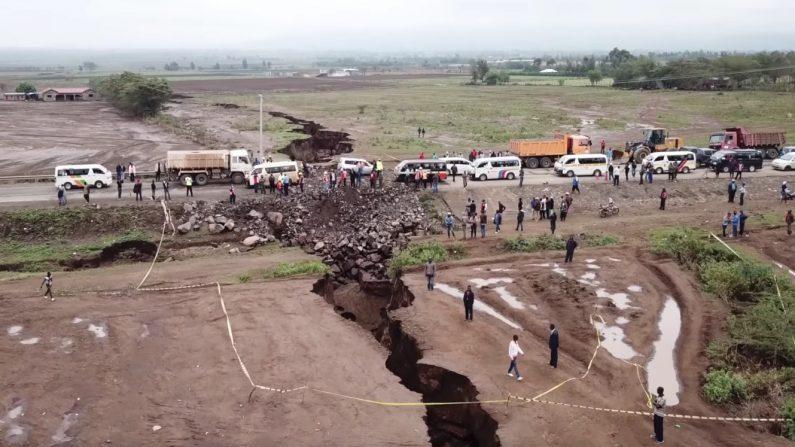 KENYA – Une faille géante divise les géologues: l'Afrique est-elle en train de se séparer en deux?