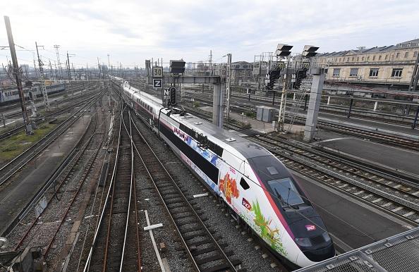 SNCF: le trafic encore perturbé samedi, les syndicats veulent «des négociations approfondies»