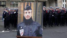 Hommage au policier Xavier Jugelé tué lors des attentats des Champs Élysées en 2017