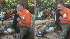 États-Unis: Un chien et son propriétaire séparés par plusieurs États se retrouvent à nouveau grâce à une micropuce