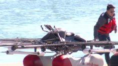 Un homme teste une machine volante personnelle au-dessus de l'eau. Une fois qu'il décolle – je ne peux pas regarder