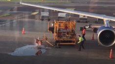 Dans l'aéroport d'Amsterdam, le personnel était «très occupé» pendant que du carburant inondait le tarmac