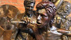 Une statue en hommage à David Bowie vandalisée juste 48 heures après son inauguration