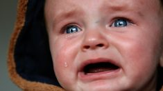 Un bébé n'arrêtait pas de pleurer jusqu'à ce que la psychiatre en pédiatrie essaie sa méthode miraculeuse