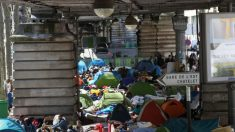 Camps de migrants à Paris: Gérard Collomb annonce une évacuation à bref délai