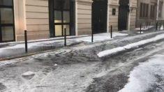 Paris: Des pluies diluviennes s'abattent sur la capitale, des scènes incroyables filmées p