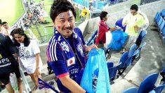 Quand les supporters Sénégalais et Japonais nettoient leurs tribunes une fois le match terminé