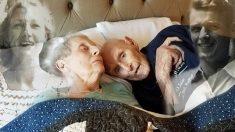 Ce couple ayant servi ensemble pendant la Seconde Guerre mondiale était marié depuis 70 ans. Après leur dernière sieste ensemble, ils meurent à quelques heures d'intervalle