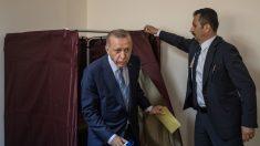 Une délégation communiste française, avec une sénatrice, arrêtée en Turquie